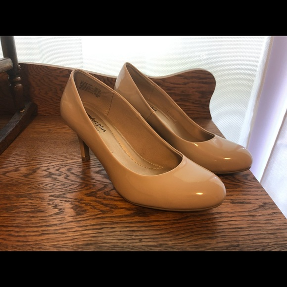 Nude pumps, only worn a handful of times